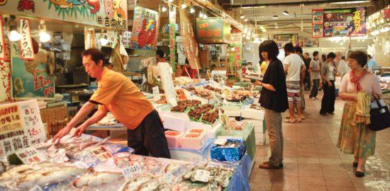 「海鮮市場舞鶴港とれとれセンター」